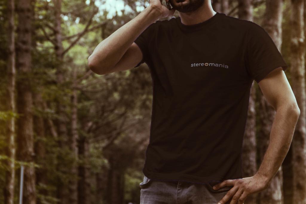 maglietta con logo realtà musicale