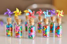 creative e multicolor, arrivano le bomboniere solidali
