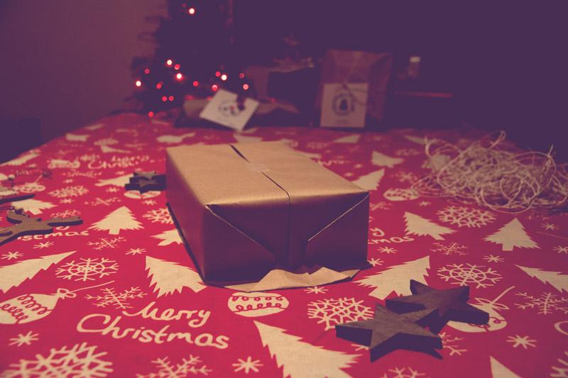 a Natale pacchetti minimali ed ecologici