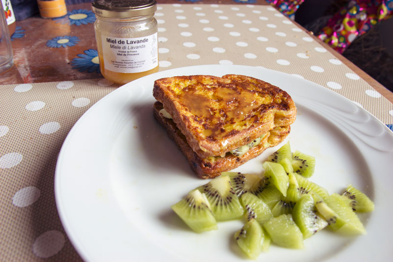french toast al miele e kiwi per stare attente in gravidanza